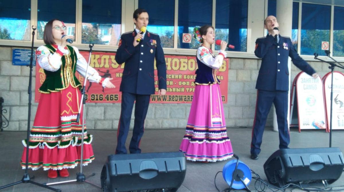 Артисты Центра казачьей культуры «Вольная станица» во Фрязино.